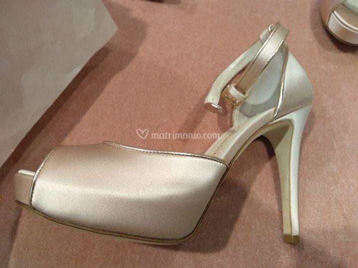 Le scarpe da sposa, bianche?