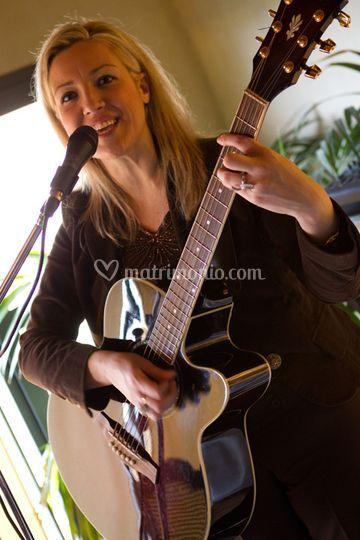 Claudia e la sua chitarra