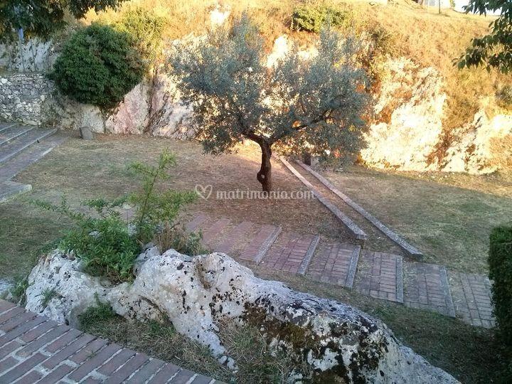 Torre di cicerone di i giardini dell 39 acropoli foto 16 - Giardini dell acropoli arpino ...