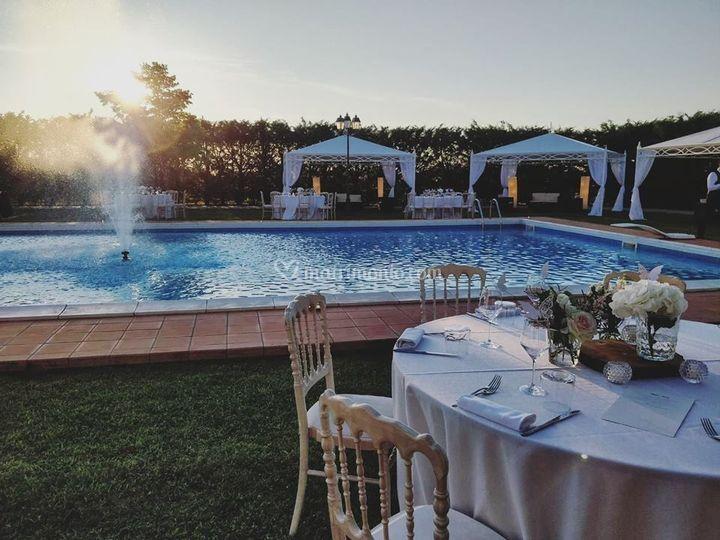 Cena a bordo piscina di villa ercolana fotos for Cena in piscina