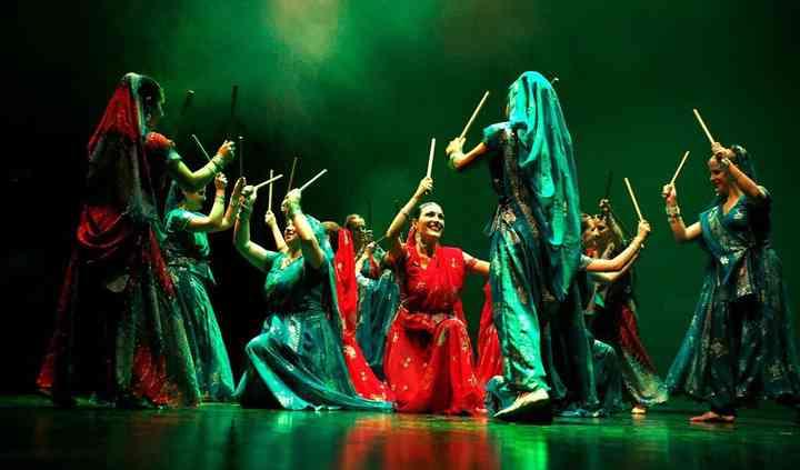 Nachde Sitare Bollywood and Bhangra