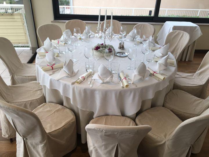 Tavolo fino a 12 posti di ristorante zafferano foto 55 for Tavolo 12 posti