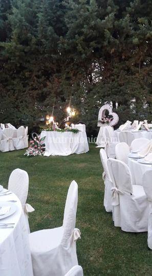 Matrimonio nel prato