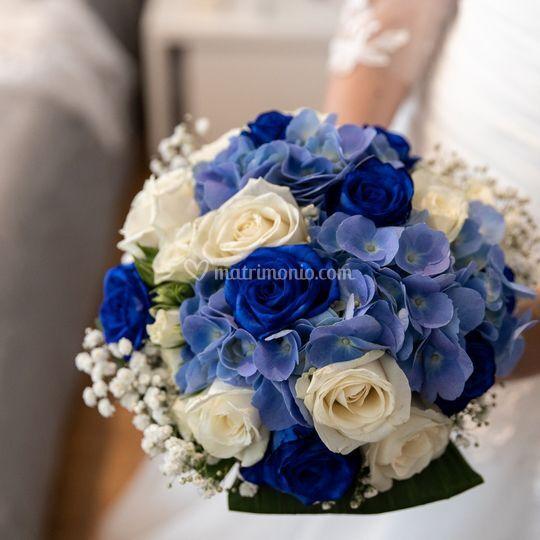 Bouquet bianco blu