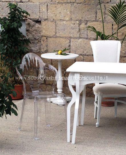 Dettaglio tavolo e sedie