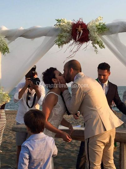 Matrimonio Sulla Spiaggia Economico : Cacciani