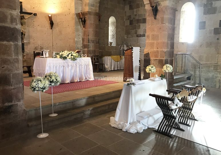 Allestimento Altare e Sedie