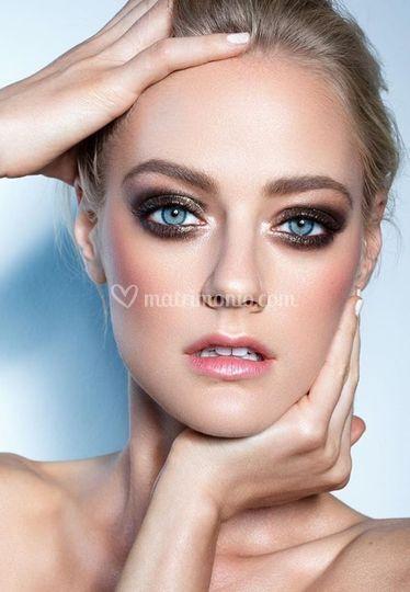 Model make up brand