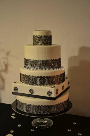 Torta nuziale moderna