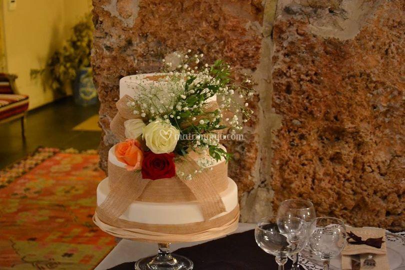 Torta nuziale rustica