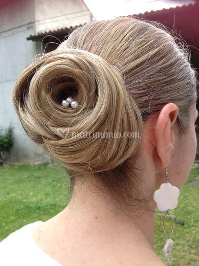Rosa con capelli