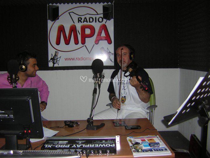 Felice in radio