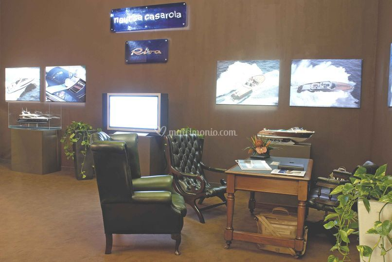 Stand riva yacht
