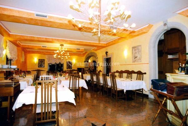 https://cdn0.matrimonio.com/emp/fotos/2/6/3/3/ristorante-per-matrimoni2.jpg