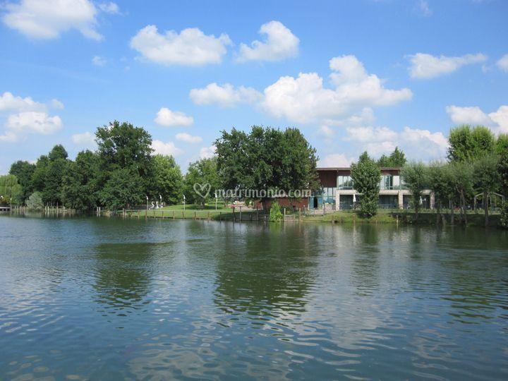 Sale affacciate sul lago