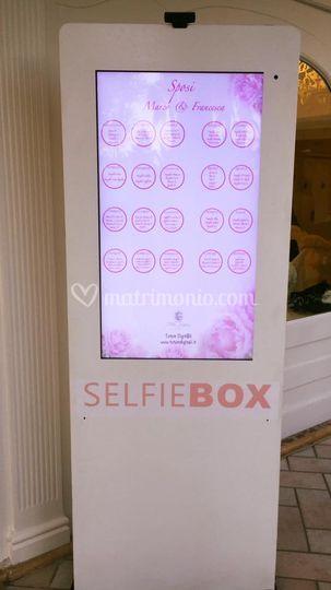 Totem Selfie Box per wedding