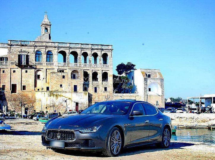 Luxury Car Autonoleggio