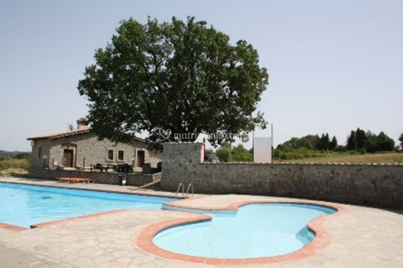 Casale con piscina le querce