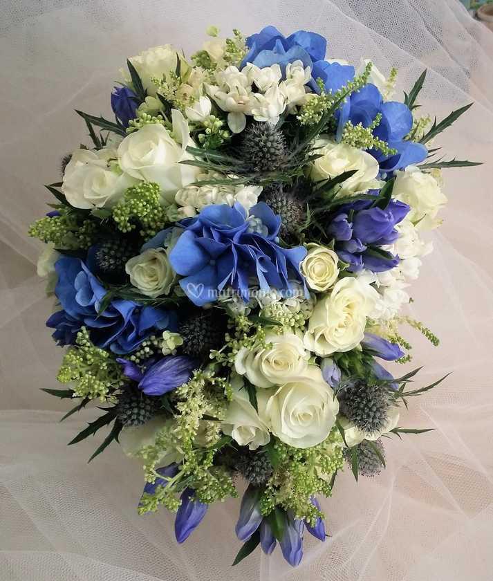 Bouquet Sposa Napoli.Bouquet Da Sposa Bianco E Blu Di Fiorista Napoli Di Roberto