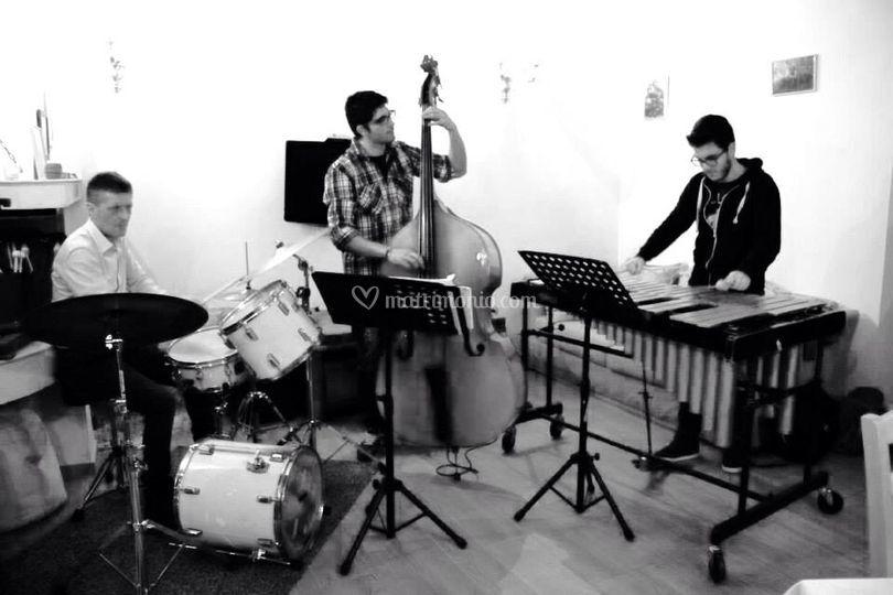 Apeiron Trio