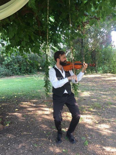 Violinista sull'altalena