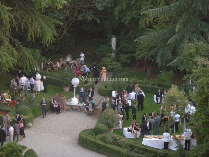 Matrimonio In Un Castello : Aperitivo in giardino di castello montechiarugolo foto