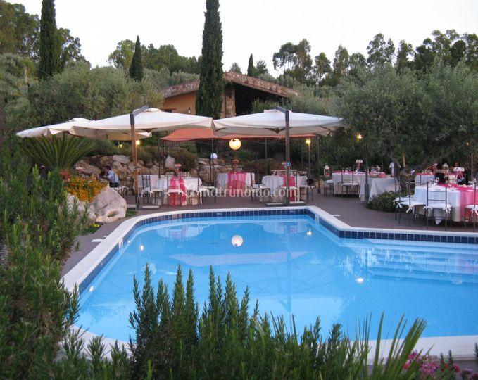 Cena a bordo piscina di crapa licca foto 8 for Cena in piscina
