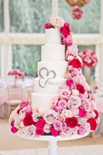 Flower wedding cake.