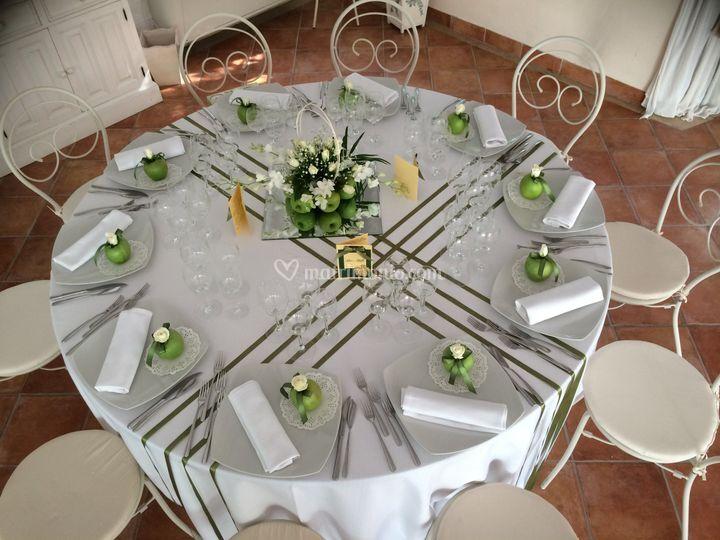 Tavolo verde con mele di Wedding Event  Foto