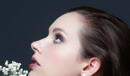 Professional makeup Services by Dorina Forti