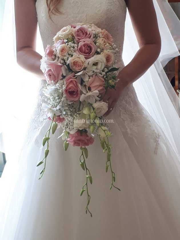 Bouquet Cadente Sposa.Bouquet Cadente Di Ilenia Zanoni Floral Wedding Design Foto 70