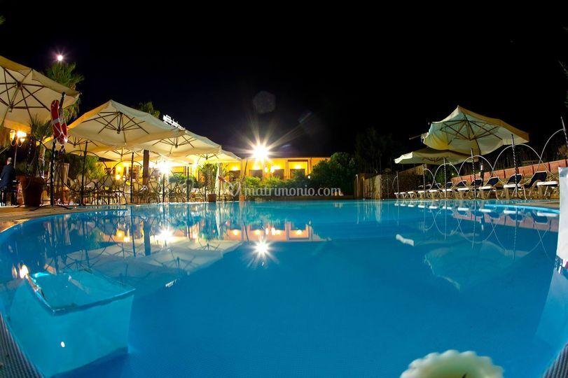 La nostra piscina vista mare