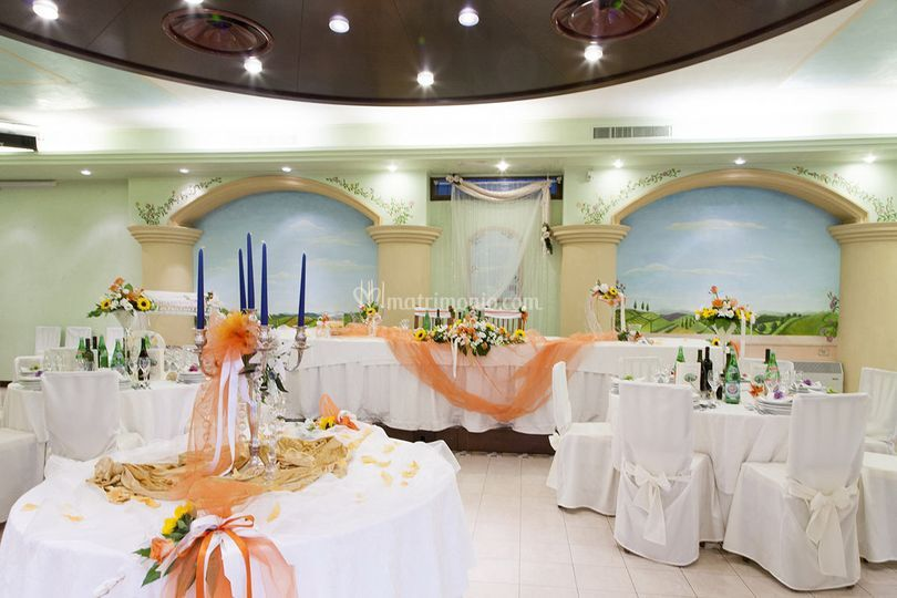 Sala Liberty wedding arancione