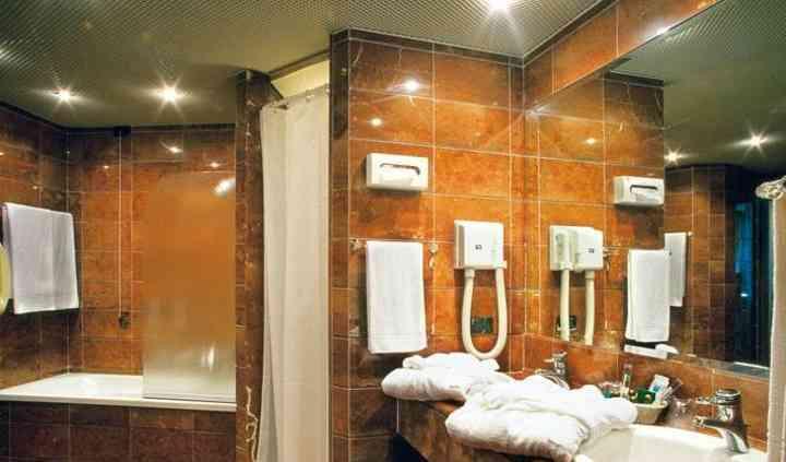 Interno della stanza da bagno