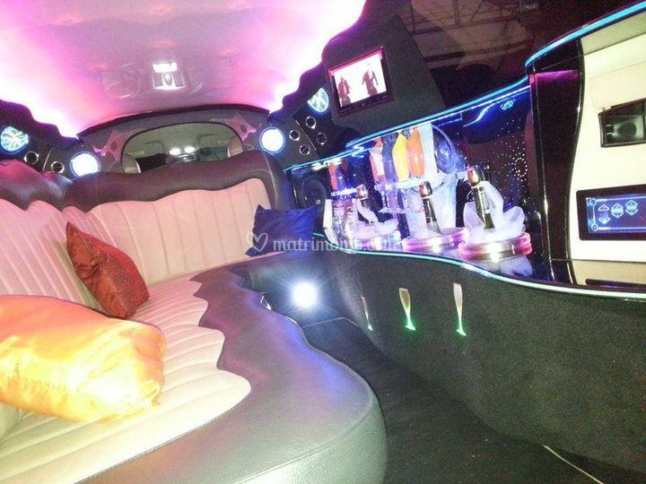 Interni limousine chrysler 300