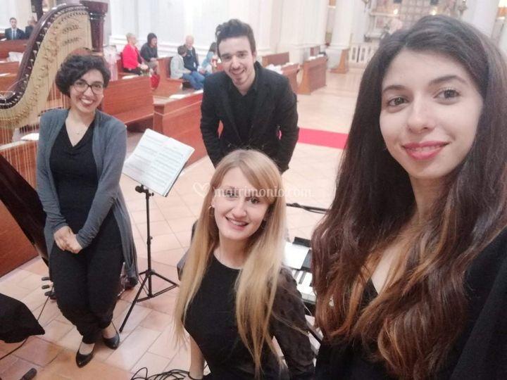 I 3 cantanti e l'arpista