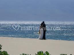 Foto spiaggia e sposi