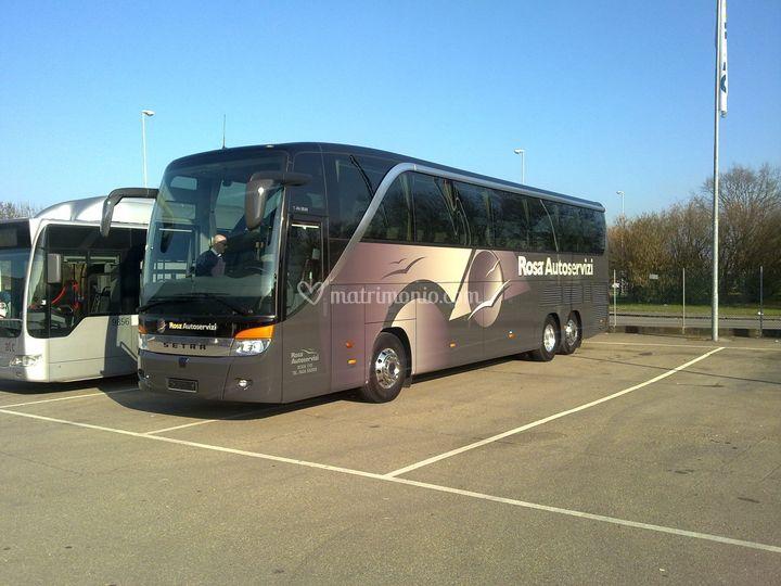 Autobus 57 posti