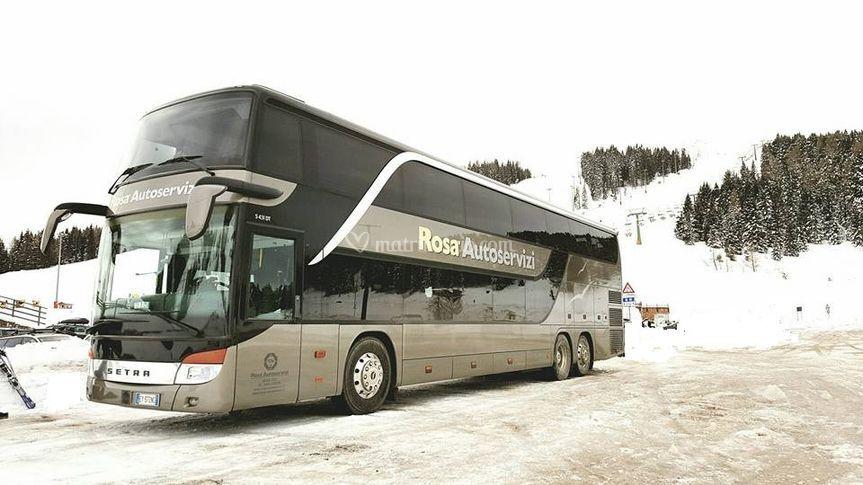 Autobus 83 posti