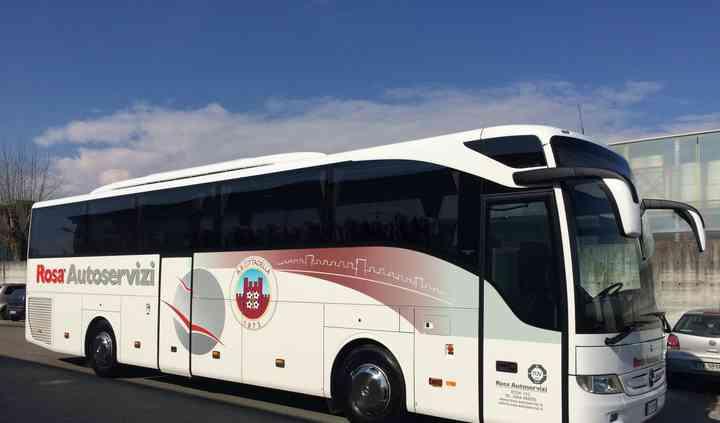 Autobus 53 posti