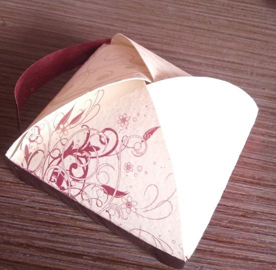 Scatolina artigianale portacon