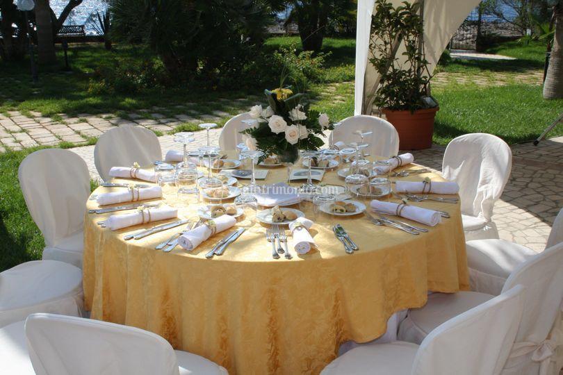 Addobbo tavolo di oasi quattro colonne foto 13