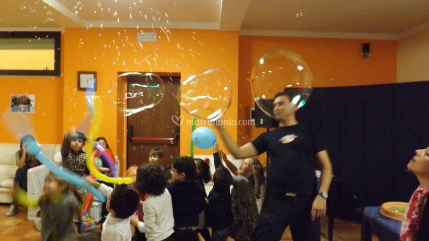 Spettacoli di bolle e magia