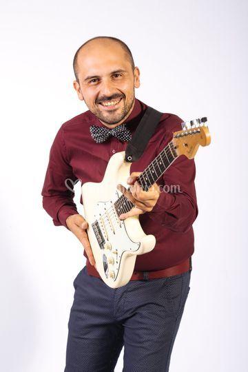 Tony- Chitarra e voce