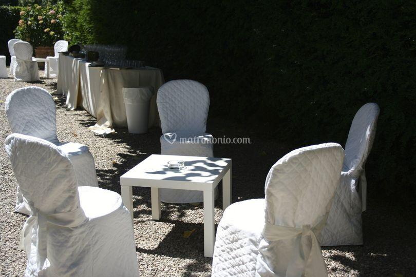 Villa di diacceto for Salottini da giardino offerte