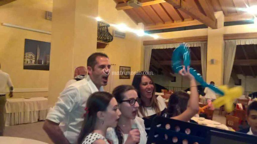 Karaoke collettivo+palloncini!