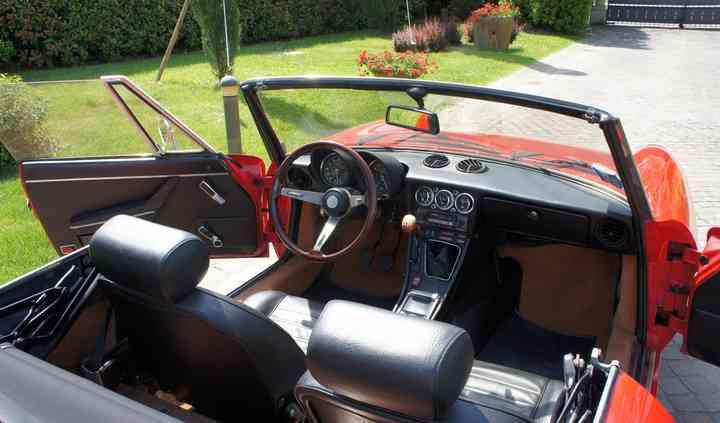Alfa Romeo Spider (interni)