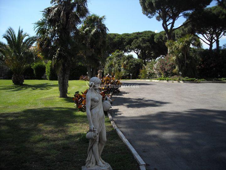 L'ingresso alla Villa