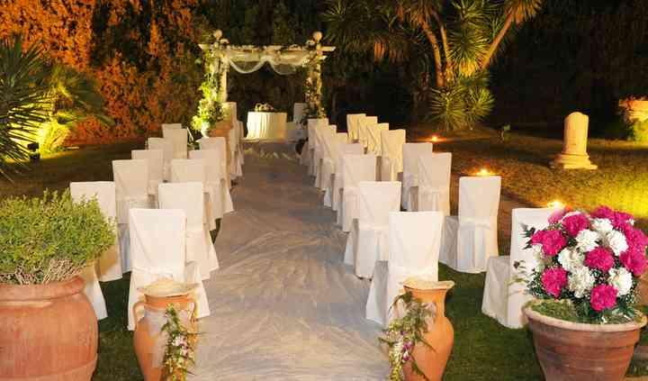 La cerimonia in villa notturna