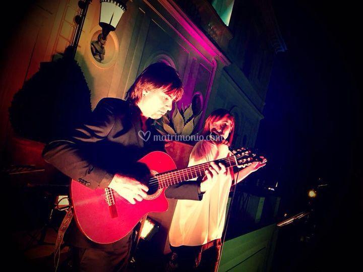 Duo chitarra  voce-villa Miani